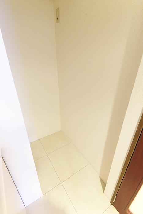 【ビアンカーサ】605号室_キッチン_冷蔵庫置き場_MG_8119