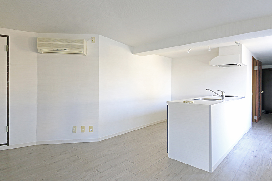 【ビアンカーサ】701号室_LDK_キッチン_全景_MG_8578