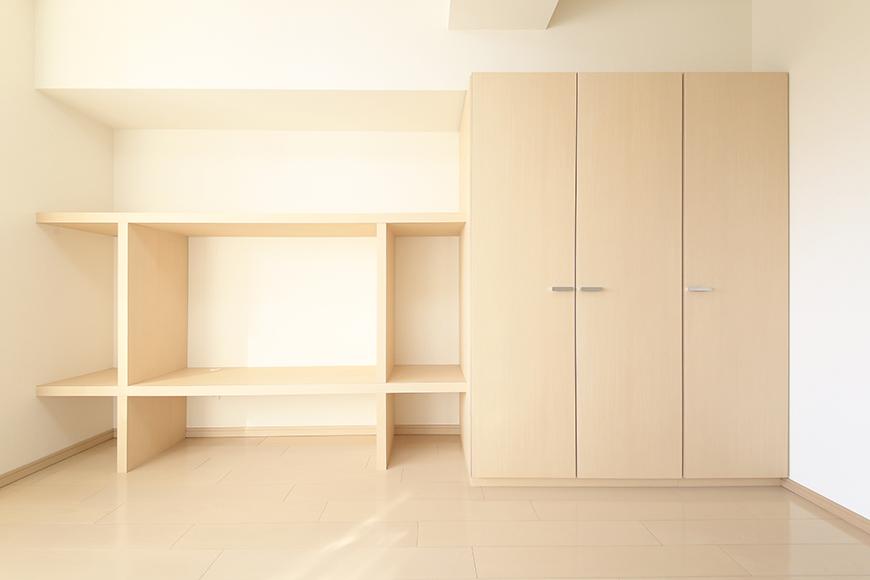 【ドゥーエ大須】1004号室_洋室_壁面収納棚、クローゼット_MG_6815