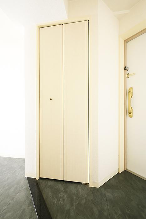 【丸の内セントラルハイツ】503号室_玄関周り_シューズボックス_MG_6124