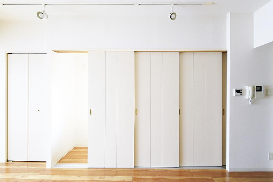 【丸の内セントラルハイツ】805号室_洋室_キッチン_仕切りドアがあります_MG_5787
