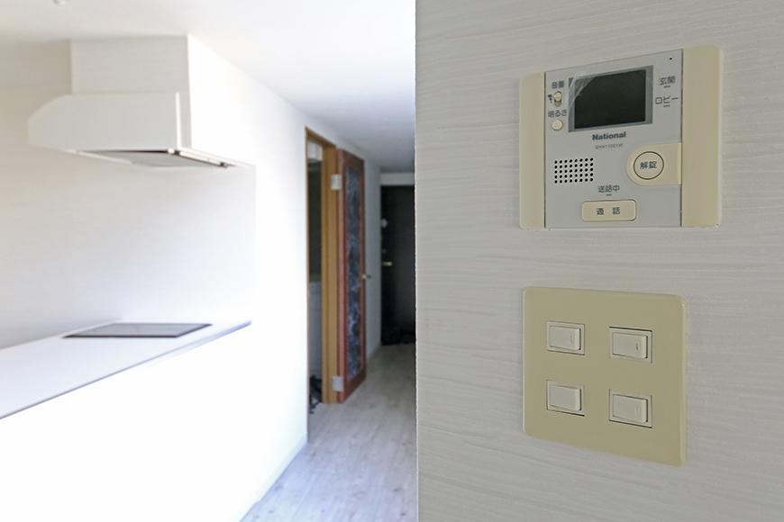 【ビアンカーサ】701号室_LDK_TVモニタ付きインターフォン、スイッチ周り_MG_8625