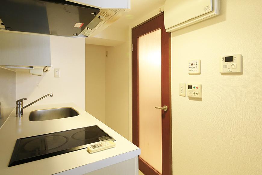 【ビアンカーサ】605号室_玄関からキッチンへの眺め_MG_8041