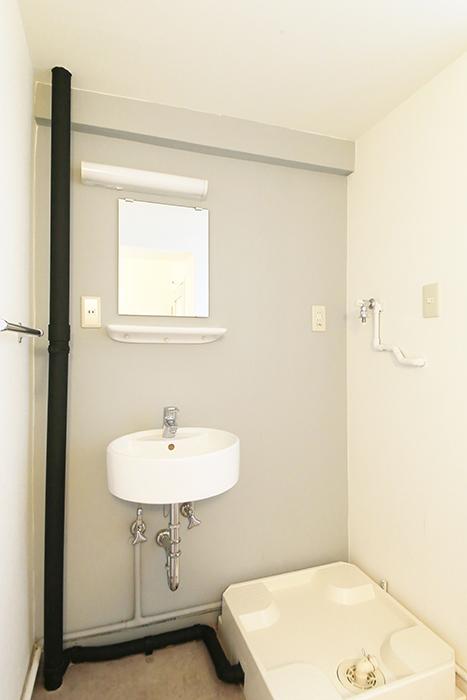 【主税ビル】901号室_水周り_独立洗面台・室内洗濯機置き場_MG_5764