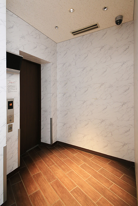 【ドゥーエ大須】外観・共有_1階エレベータホール_MG_6552