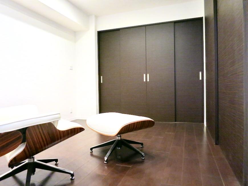 8,5帖の洋室 ミッドセンチュリーなお部屋。VIVACE 7