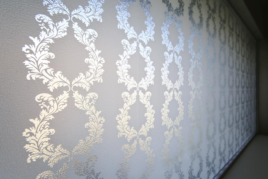 【プリンセス姫ラグジュアリースイート】6-Lily_洋室と水周りを仕切るガラス_MG_0039