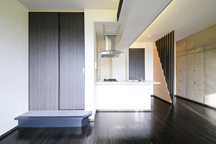 上小田井【SK BUILDING 7】705号室_LDK_和室へのドア_MG_3208