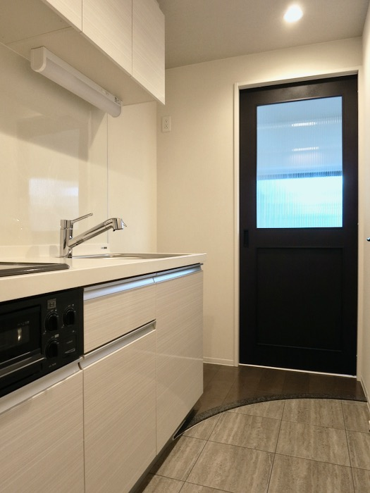 スマートな玄関。外観・共有 unroom404号室4
