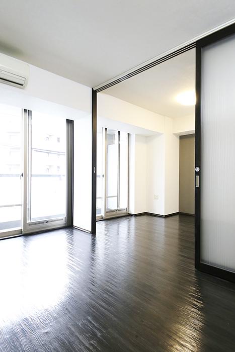 上小田井【SK BUILDING 7】406号室_LDK_リビングから洋室_MG_4003
