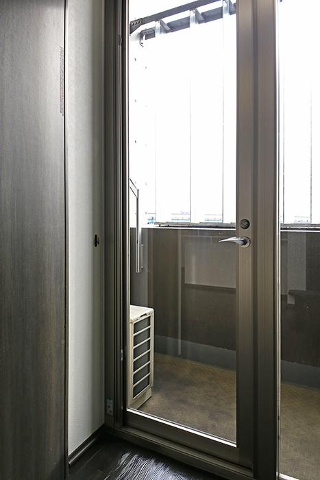 上小田井【SK BUILDING 7】705号室_ベランダへのドア_MG_3332