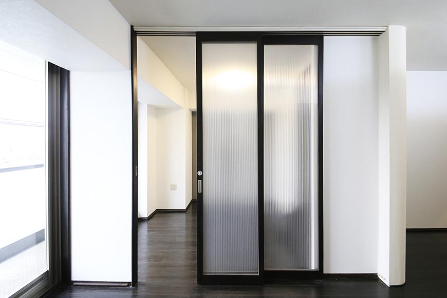 上小田井【SK BUILDING 7】406号室_LDK_リビング・洋室との仕切りのドア_MG_3943