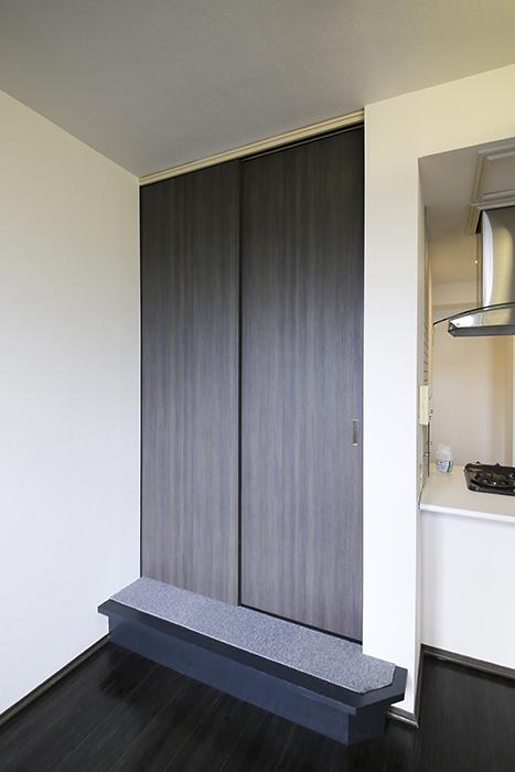 上小田井【SK BUILDING 7】705号室_LDK_和室へのドア_MG_3375