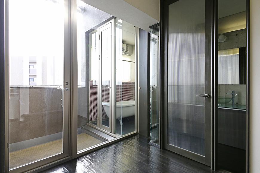 上小田井【SK BUILDING 7】705号室_水周りへのドアとベランダ_MG_3228