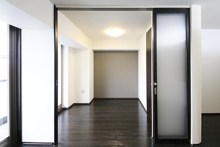 上小田井【SK BUILDING 7】406号室_LDK_リビング・洋室との仕切りのドア_MG_3952