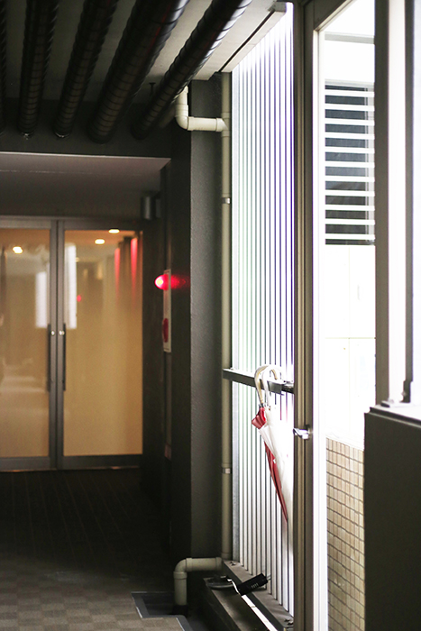 上小田井【SK BUILDING 7】共有部_裏口から建物内廊下へ_MG_4725