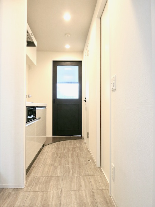 スマートな玄関。外観・共有 unroom404号室0