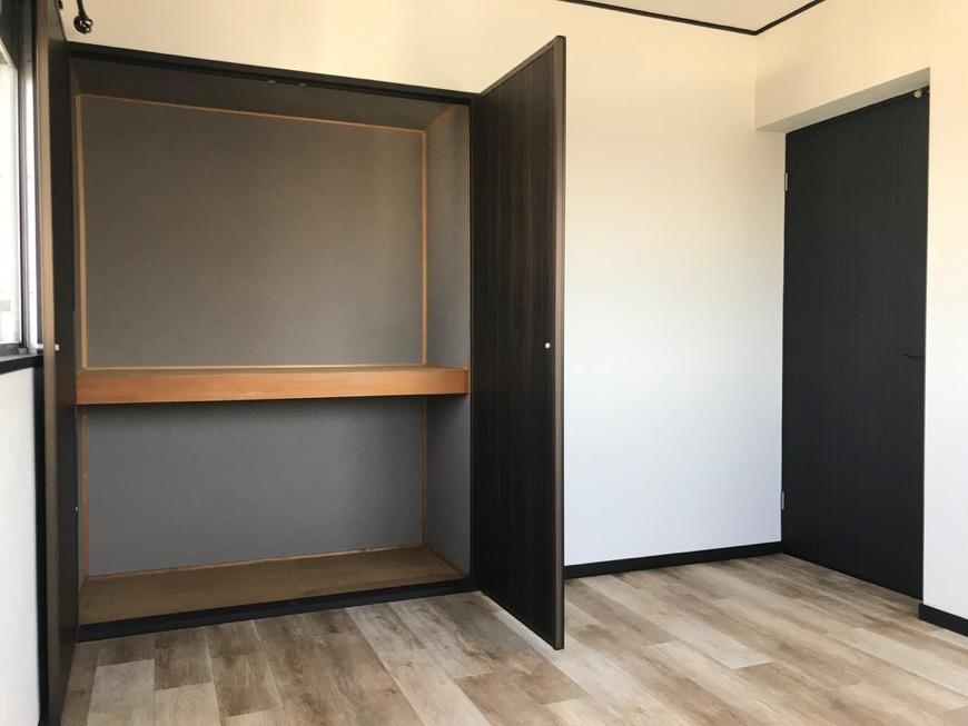 洋室。 キャッスルハイツ師勝305号室3