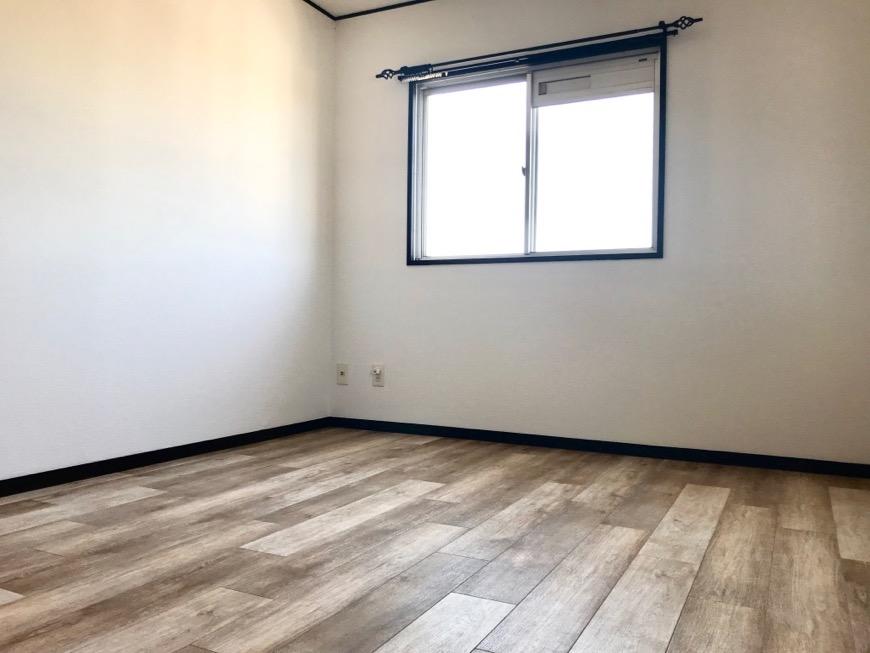 洋室。 キャッスルハイツ師勝305号室2