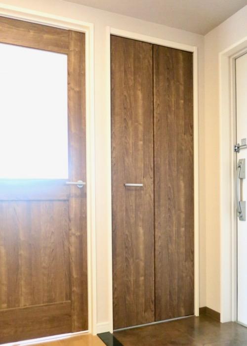 玄関・木目が綺麗です。 ASKA HILLS 9