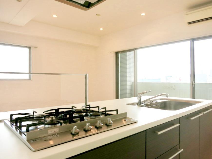 LDK11帖。キッチン台 おしゃれなキッチンのある暮らし。 Hermmitage SHINSAKAE エルミタージュ新栄 1005号室 10