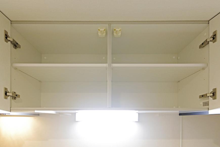 西尾市【モフズヴィラ(Mofz Villa Imagawa)】106号室_キッチン周り_頭上の収納_MG_5951