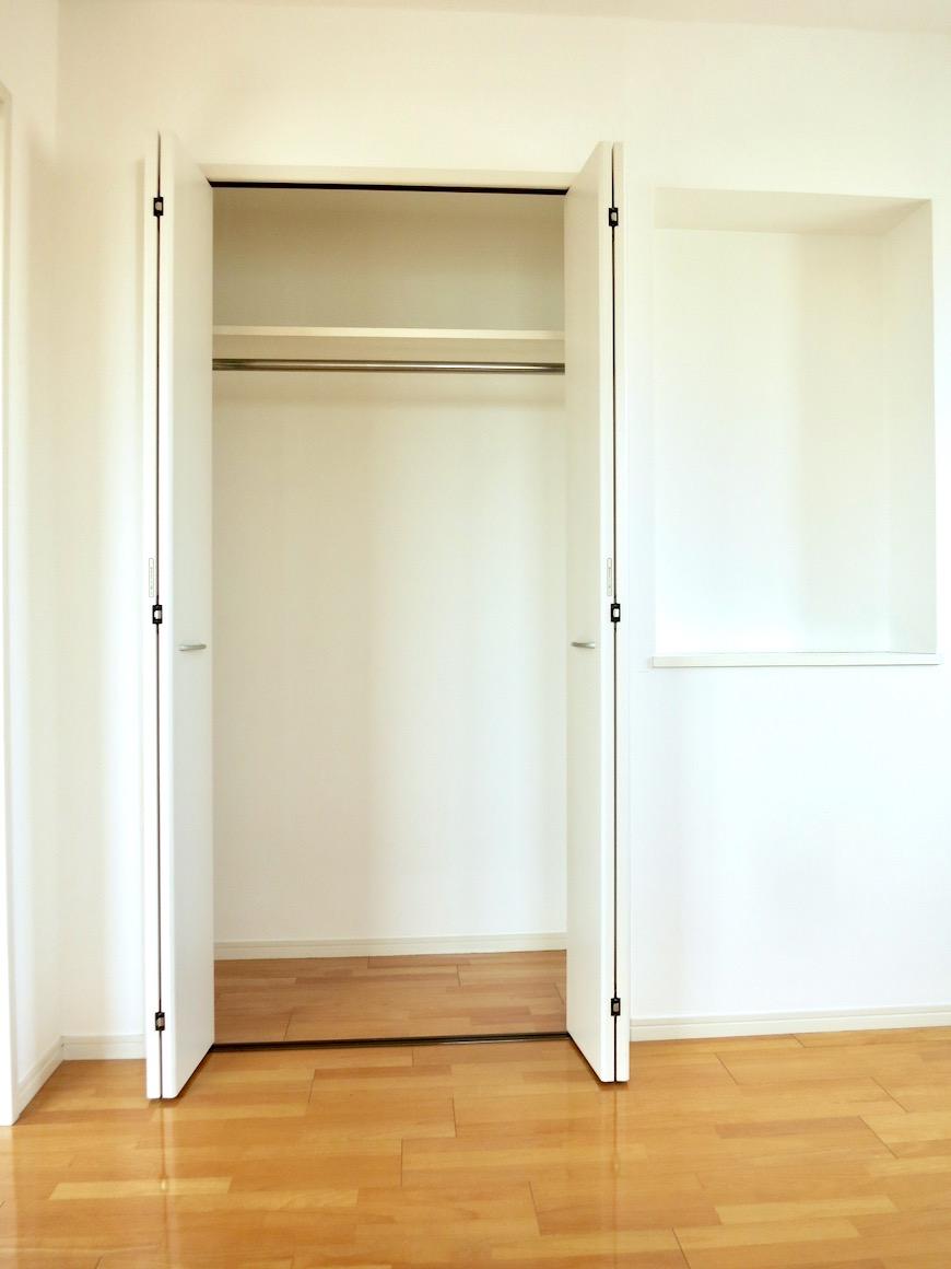洋室5.9帖。 おしゃれなキッチンのある暮らし。 Hermmitage SHINSAKAE エルミタージュ新栄 1005号室 2