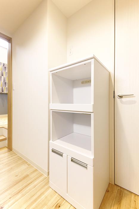 西尾市【モフズヴィラ(Mofz Villa Imagawa)】106号室_キッチン周り_収納棚の置き方一例_MG_5992