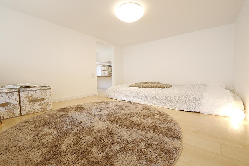 ロフトはベッドを置いても十分な広さのスペースです。_MG_7637