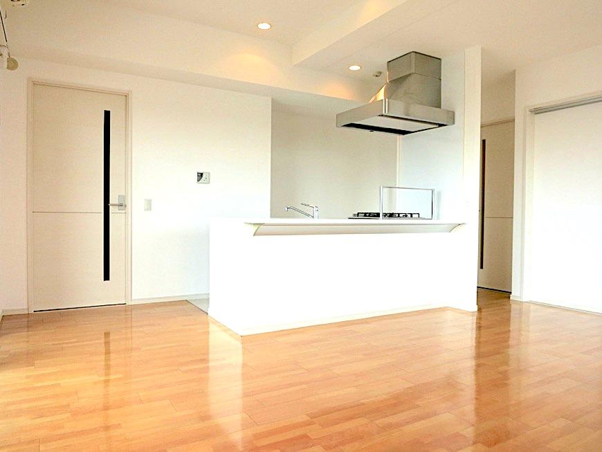 LDK11帖。 おしゃれなキッチンのある暮らし。 Hermmitage SHINSAKAE エルミタージュ新栄 1005号室 4