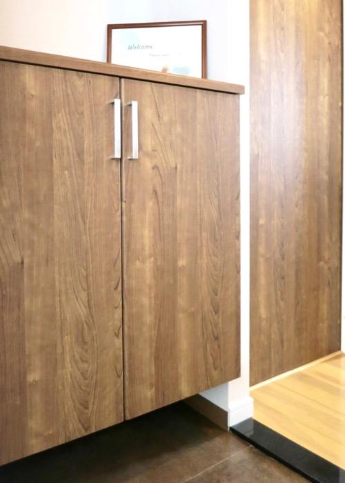 玄関・木目が綺麗です。 ASKA HILLS 3