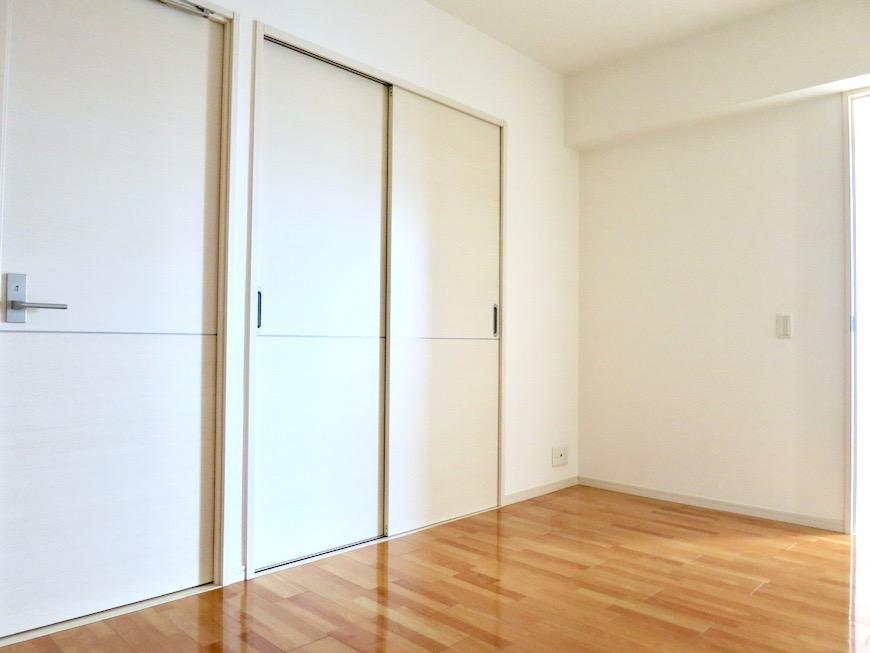 納戸6.2帖。 おしゃれなキッチンのある暮らし。 Hermmitage SHINSAKAE エルミタージュ新栄 1005号室 3