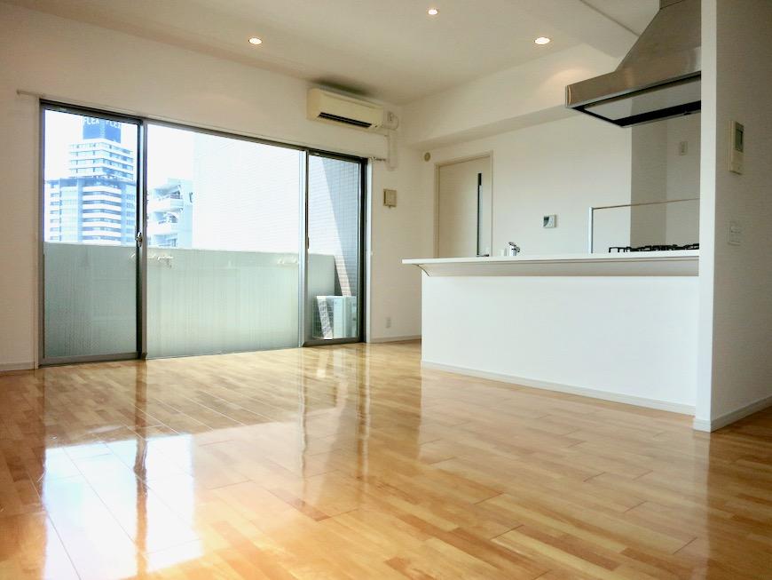 LDK11帖。 おしゃれなキッチンのある暮らし。 Hermmitage SHINSAKAE エルミタージュ新栄 1005号室 9