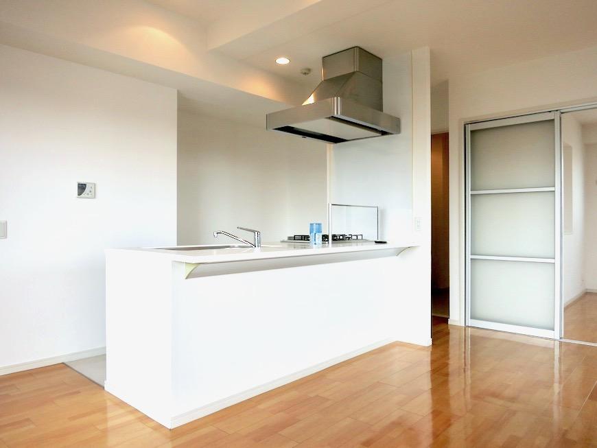 LDK11帖。 おしゃれなキッチンのある暮らし。 Hermmitage SHINSAKAE エルミタージュ新栄 1005号室 18