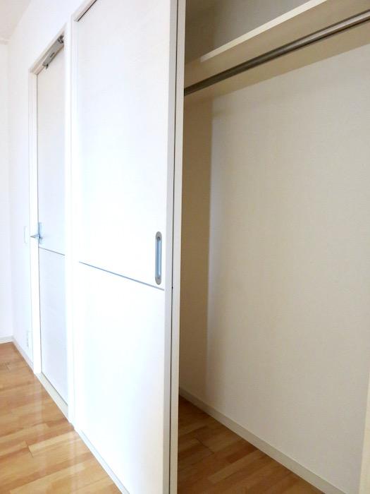納戸6.2帖。 おしゃれなキッチンのある暮らし。 Hermmitage SHINSAKAE エルミタージュ新栄 1005号室 2