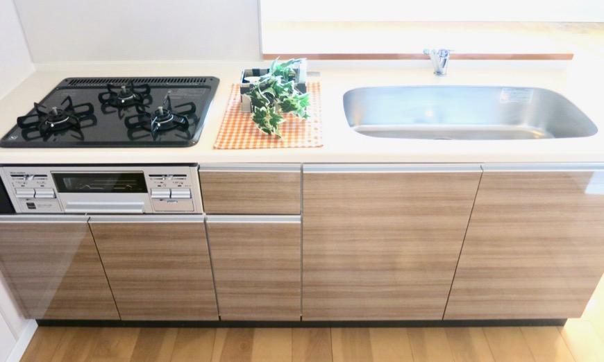 17..4帖のLDK キッチン 螺旋階段のあるお部屋。 ASKA HILLS 6