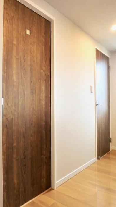 玄関・木目が綺麗です。 ASKA HILLS 4