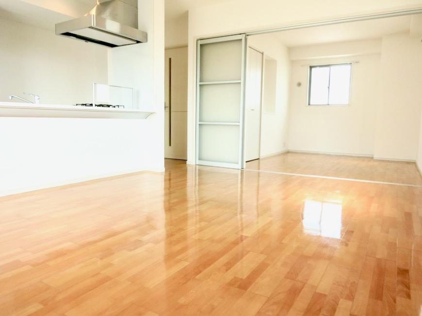 LDK11帖。 おしゃれなキッチンのある暮らし。 Hermmitage SHINSAKAE エルミタージュ新栄 1005号室 6