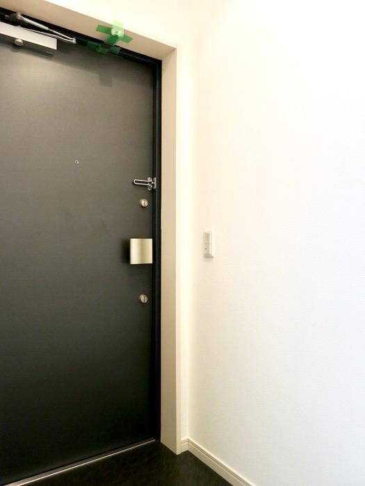 玄関。 おしゃれなキッチンのある暮らし。 Hermmitage SHINSAKAE エルミタージュ新栄 1005号室 7