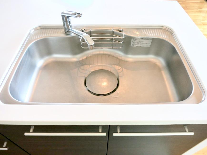 LDK11帖。キッチン台 おしゃれなキッチンのある暮らし。 Hermmitage SHINSAKAE エルミタージュ新栄 1005号室 8