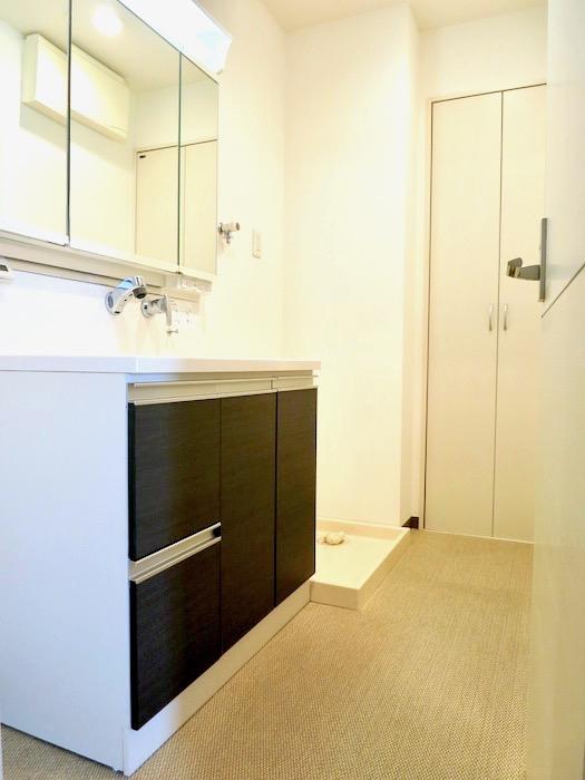 サニタリー&バスルーム。 おしゃれなキッチンのある暮らし。 Hermmitage SHINSAKAE エルミタージュ新栄 1005号室 0