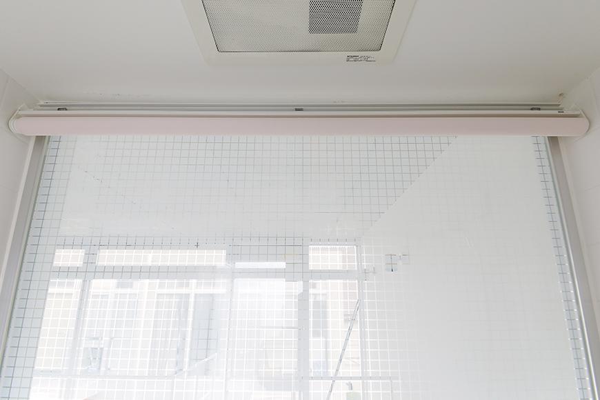 【M/F HOUSE】008号室_サニタリールーム_バスルーム_ロールスクリーン_MG_3604