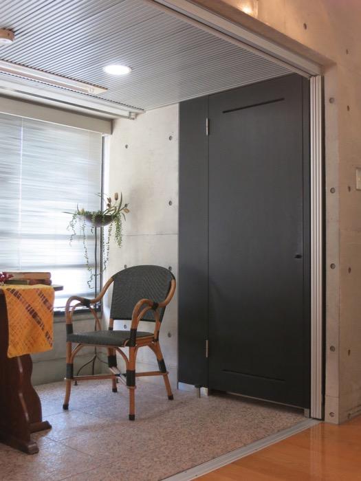 コンクリート打ちっ放しのクールなお部屋。6帖(サンルーム付き)。ARK HOUSE 南館 3A 何もかもが魅力的な創造空間。34