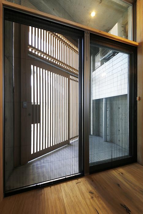 【大池薬局ビル】5N11部屋から玄関ドア閉_MG_5271