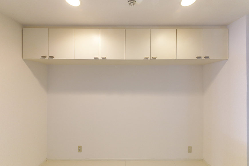 【M/F HOUSE】001号室_LDK_キッチン_背後頭上の収納_MG_2938