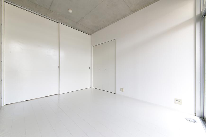 【M/F HOUSE】001号室_洋室_仕切りのドアをクローズ_MG_3032