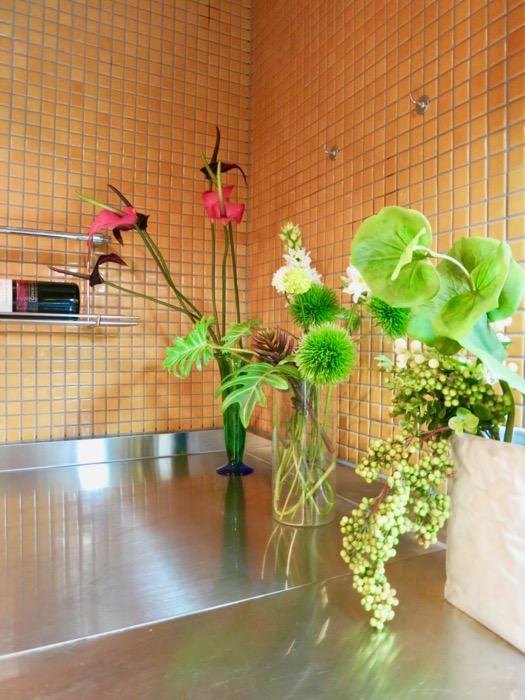 キッチン。鮮やかでお洒落なモザイクタイル貼りのキッチン。ARK HOUSE 南館 3A 何もかもが魅力的な創造空間。16