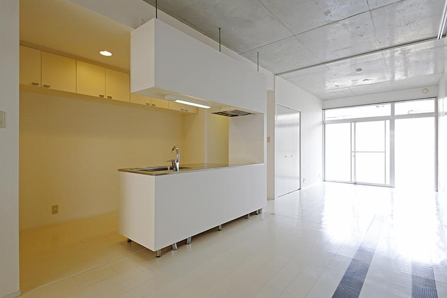 【M/F HOUSE】001号室_LDKと洋室の仕切りドアをOPEN_MG_3015