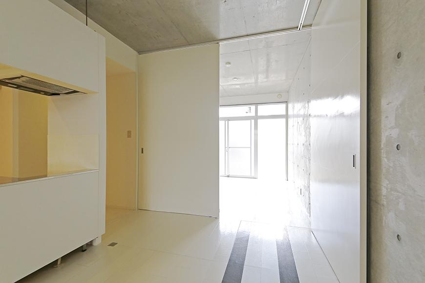 【M/F HOUSE】001号室_LDKと洋室の仕切りドアをOPEN!_MG_2966