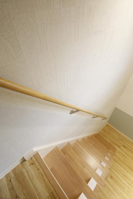 西尾市【モフズヴィラ(Mofz Villa Imagawa)】102号室_洋室からロフトへの階段_MG_6791